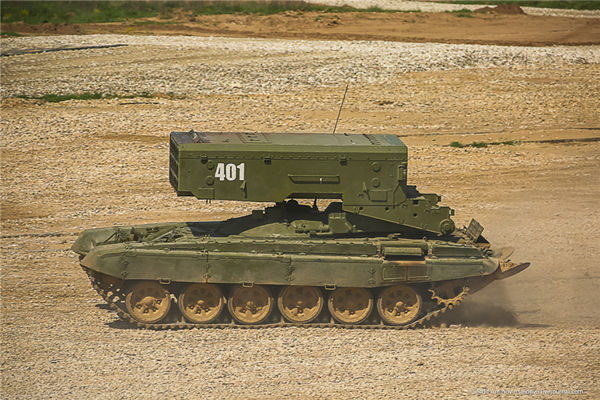 《坦克前线:帝国OL》喷火杀器现叙利亚 7秒变飞灰 专为打击IS而生